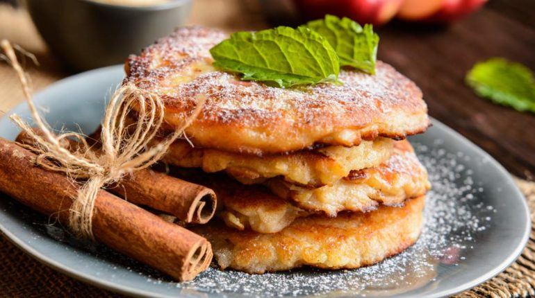 Low Carb Cinnamon Apple Pancakes