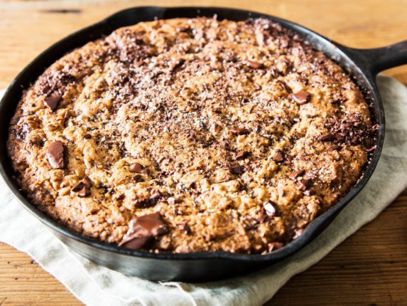 The Skillet Cookie: Yet Another Reason to Love Cas...